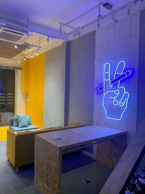 Vero Office Neon Light