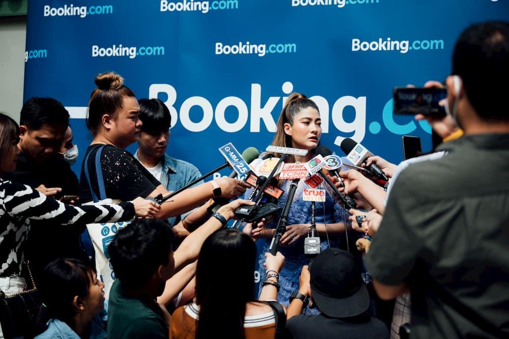 Booking.com – Bangkok Booking Bus